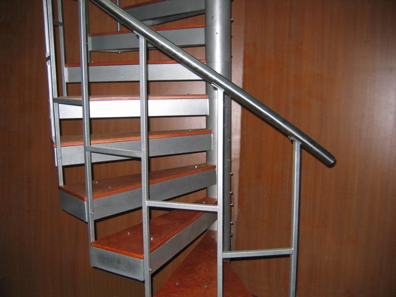 Как сделать поручни для винтовой лестницы своими руками